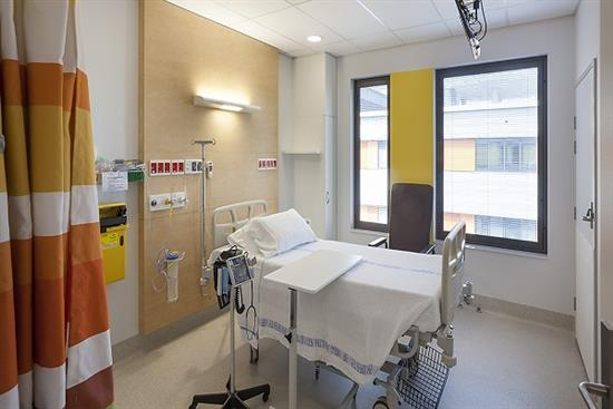 ROYAL-NORTH-SHORE-ACUTE-SERVICES-1-HOSPITAL-ROOM