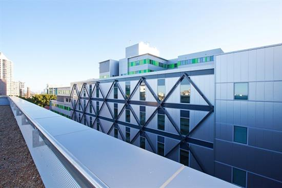 ROYAL-NORTH-SHORE-HOSPITAL-CLINICAL-SERVICES-5-ROOFTOP